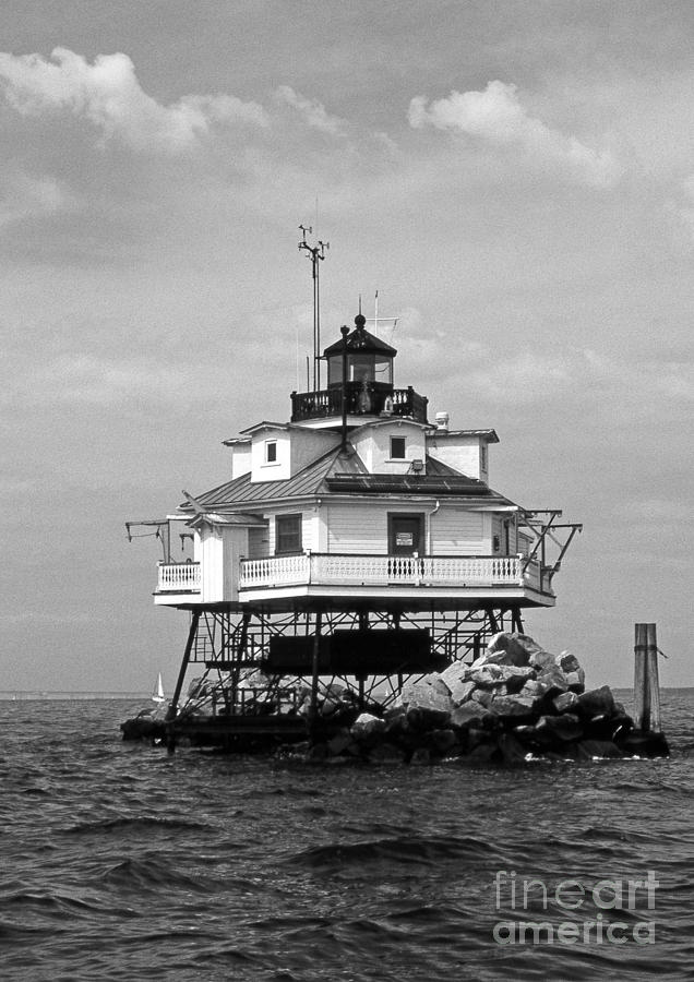 Lighthouses Photograph - Thomas Point Shoal Lighthouse by Skip Willits