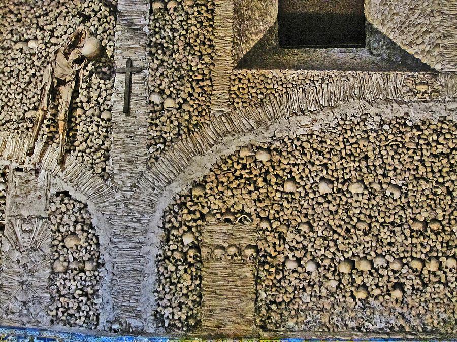 Capela Dos Ossos Chapel Of Bones Evora Portugal