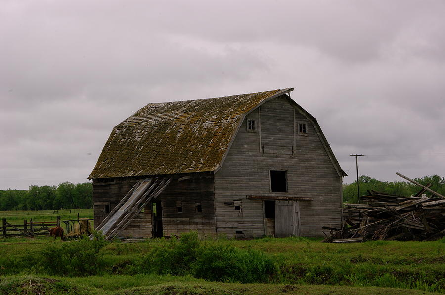 A Barn In Northern Montana Photograph