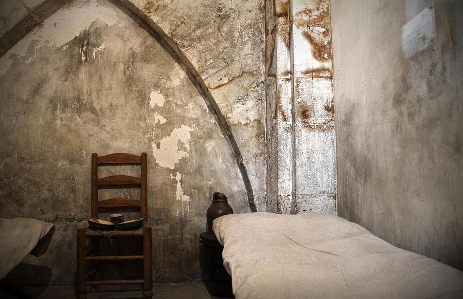 A Cell In La Conciergerie De Paris Photograph By Ricardmn Photography