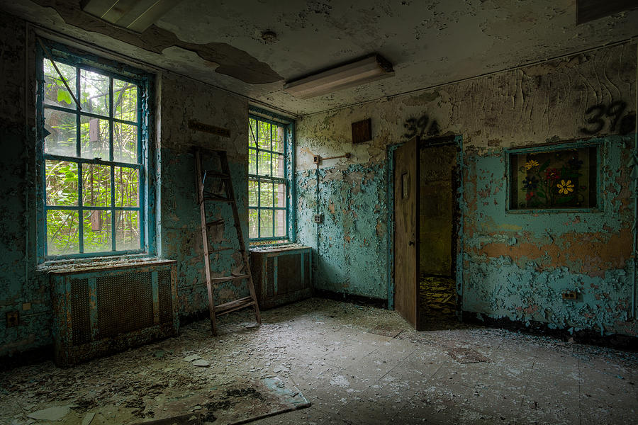 Old Room Photograph - Abandoned Places - Asylum - Old Windows - Waiting Room by Gary Heller