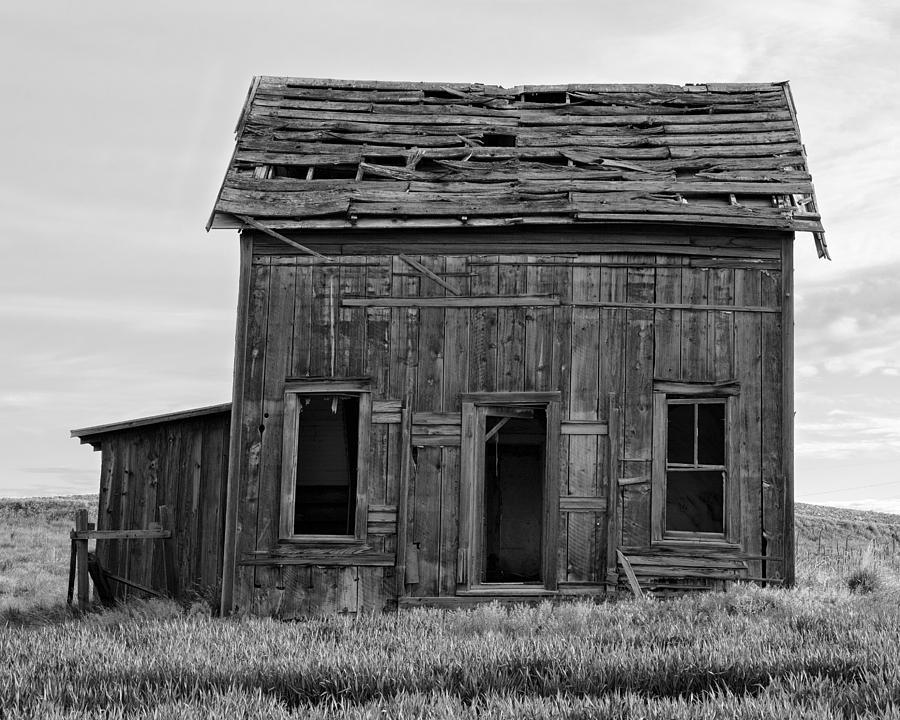 Abandoned two story farm house 8 road nw douglas for 2 story farm house