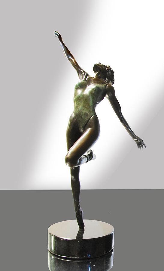Aline Sculpture