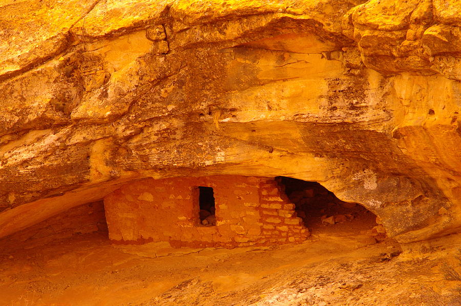 Indian Ruins Photograph - Anasazi Ruins  by Jeff Swan