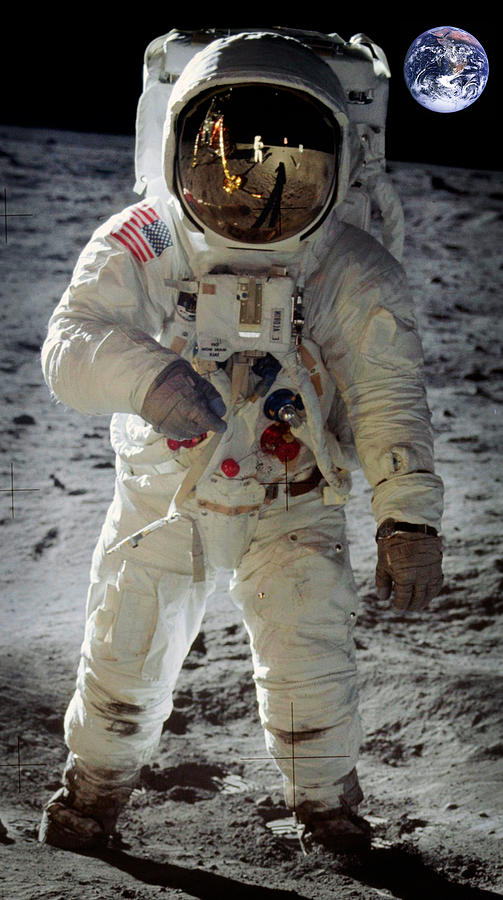 Apollo 11 Space Suit Worn By Buzz Aldrin Photograph by ...