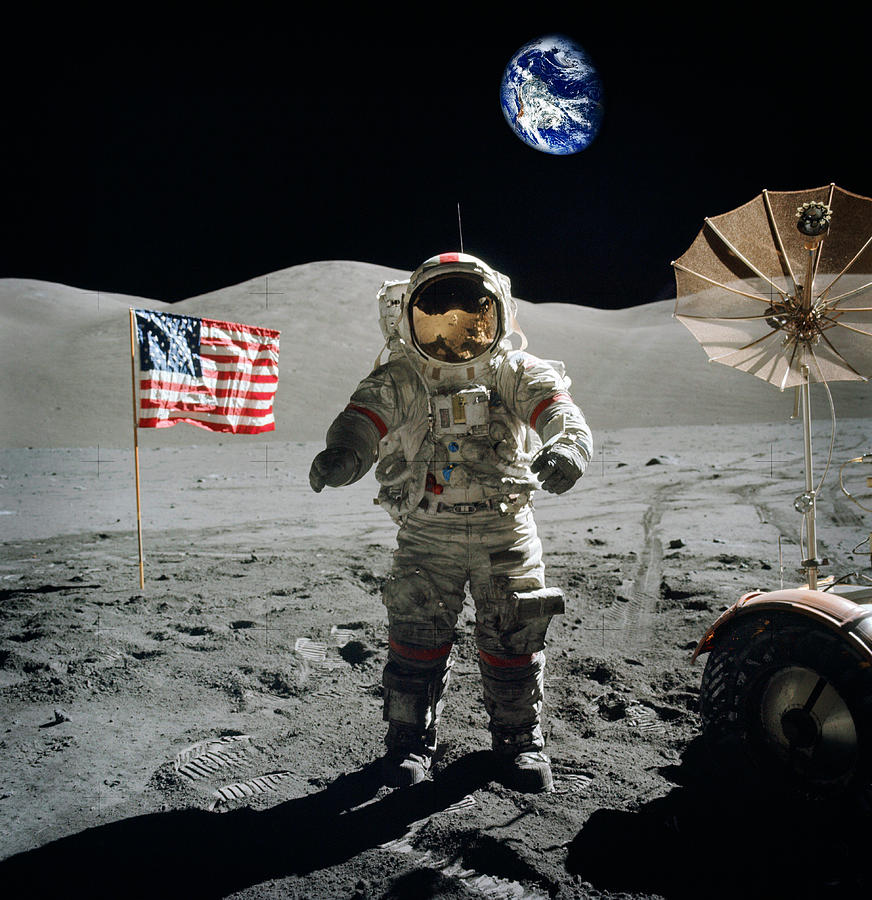 astronaut on moon earth background - photo #24
