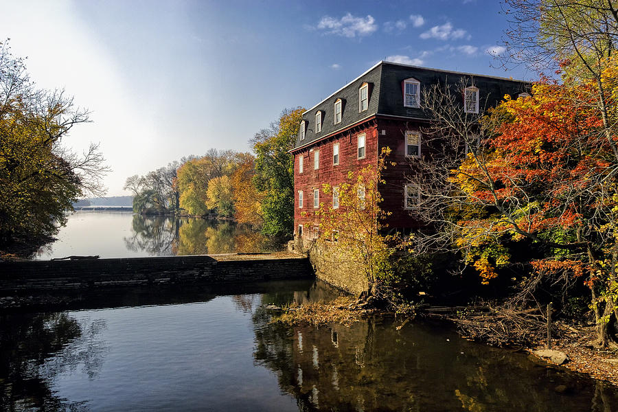 Kingston Mill Historic District Photograph - Autumn Morning At The Kingston Mill by George Oze