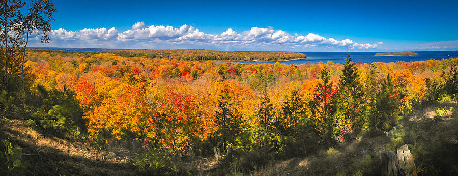Autumn Vistas Of Nicolet Bay Photograph