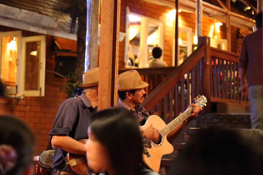 Chiang Photograph - Band At Palaad Tawanron Restaurant - Chiang Mai Thailand - 01131 by DC Photographer