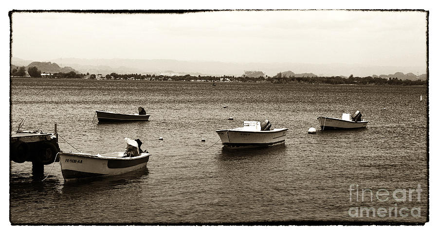 Barcos Photograph - Barcos by John Rizzuto