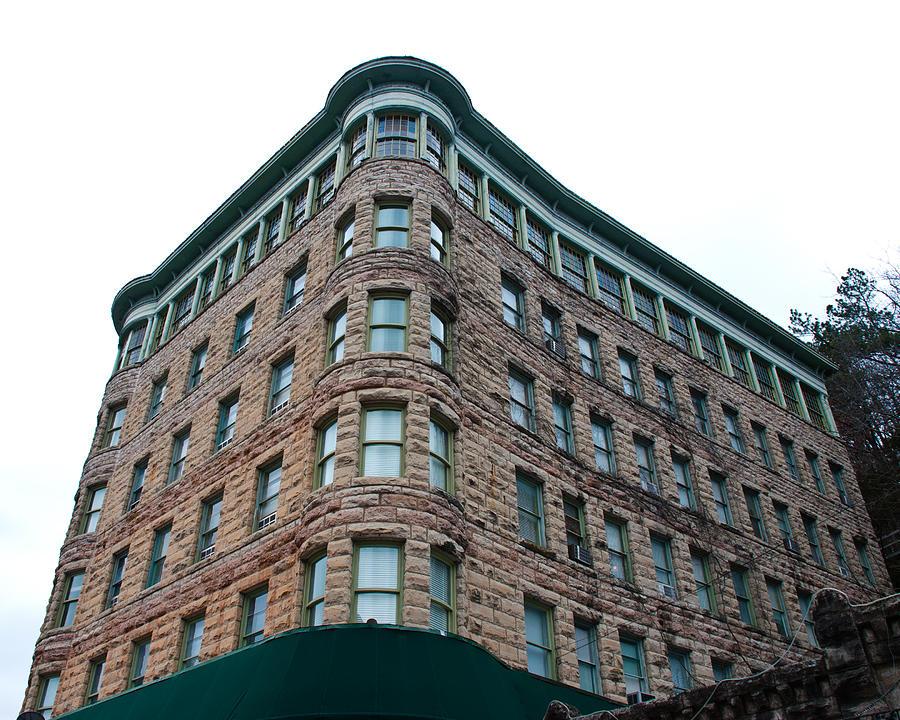 Basin Park Hotel Photograph