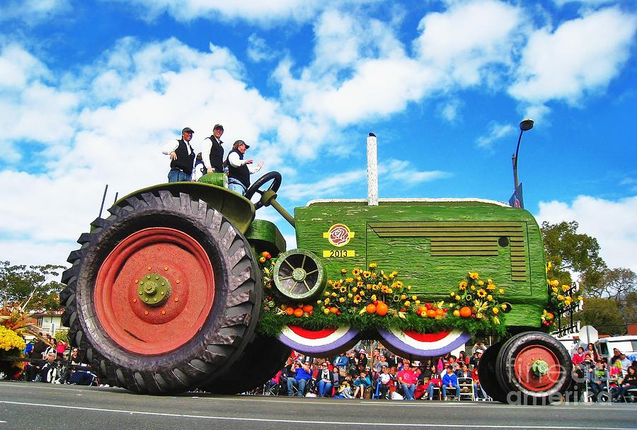 World S Smallest Tractor : Pin biggest tractor the world ajilbabcom portal on pinterest