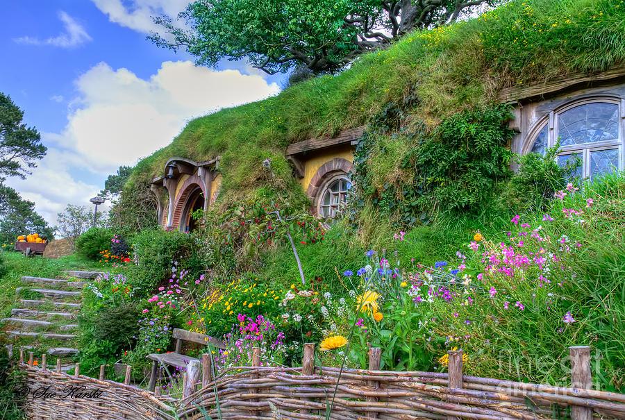 Bilbo baggins hobbit house floor plans house plans for Hobbit house drawings