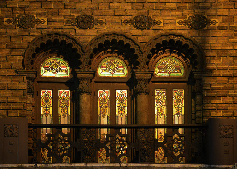 Bloomingdales At Home In Chicagos Medinah Temple Photograph  - Bloomingdales At Home In Chicagos Medinah Temple Fine Art Print