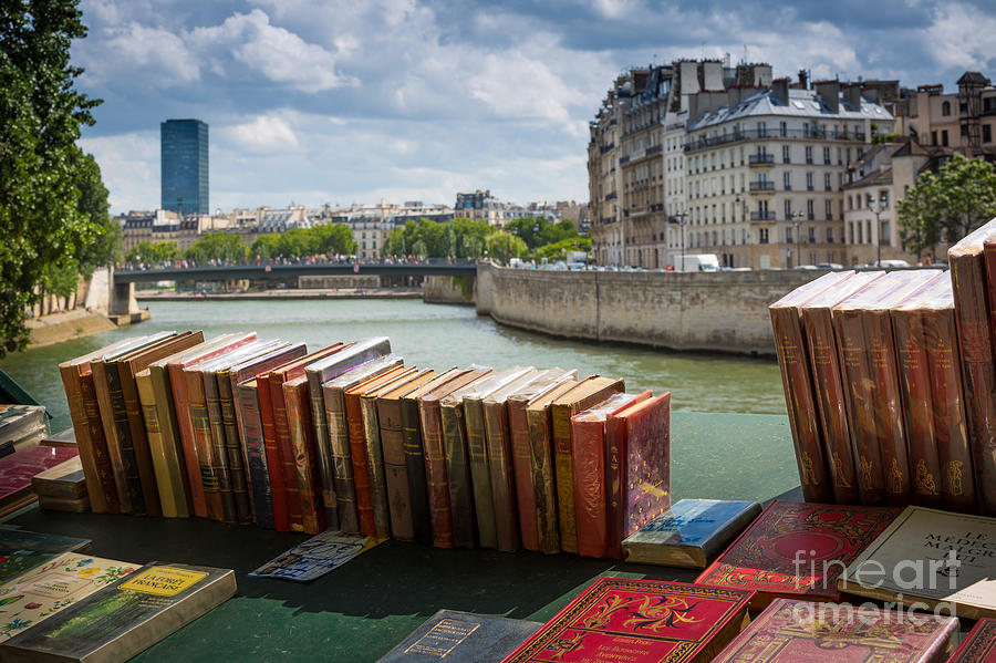 Bouquinistes Le Long De La Seine Photograph