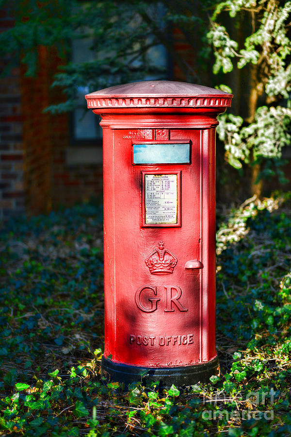 Paul Ward Photograph - British Mail Box by Paul Ward