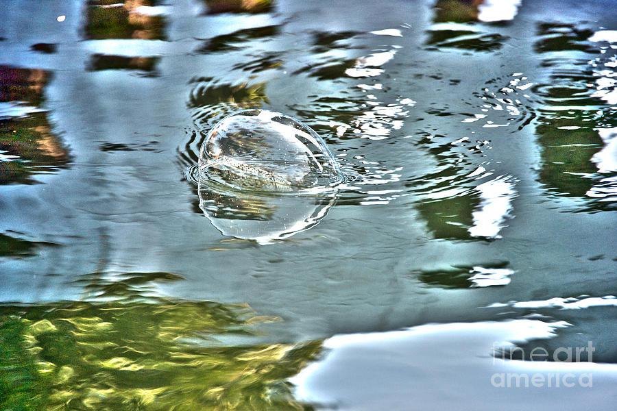 - bubble-reflection-crystal-harman