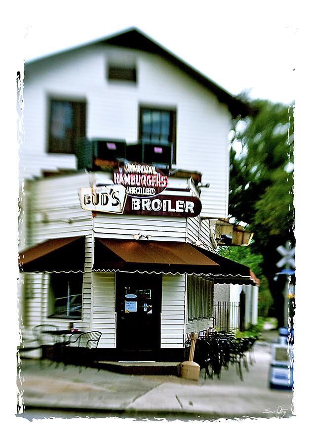 Buds Broiler Photograph