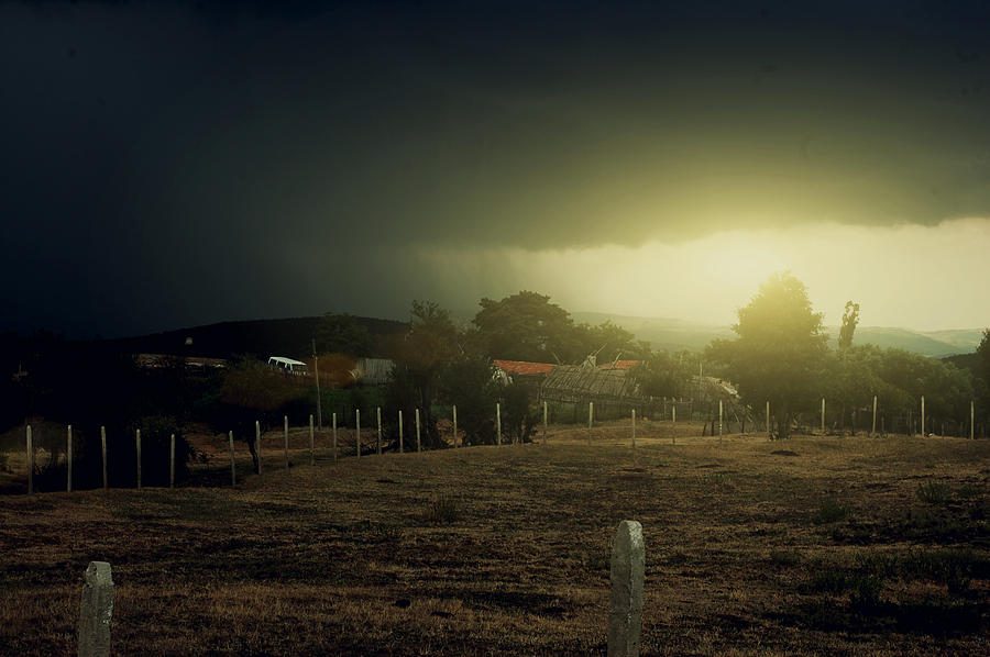 Bulgarije Sunset Dark Clouds Photograph