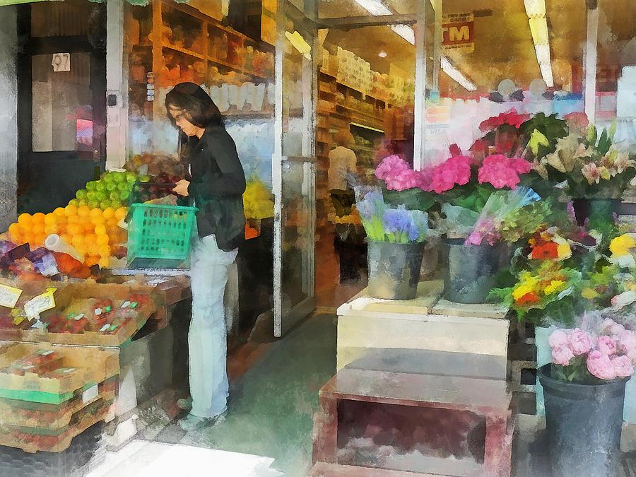 Fruit Photograph - Buying Fresh Fruit by Susan Savad