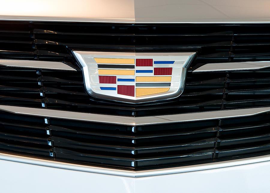 2015 Cadillac Emblem