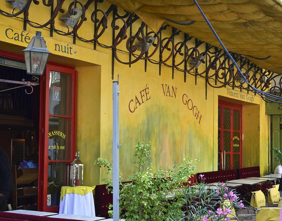 Arles Photograph - Cafe Van Gogh by Allen Sheffield