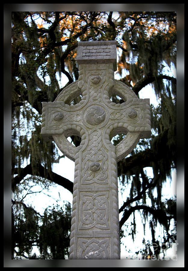 Celtic Cross In Savannah Photograph