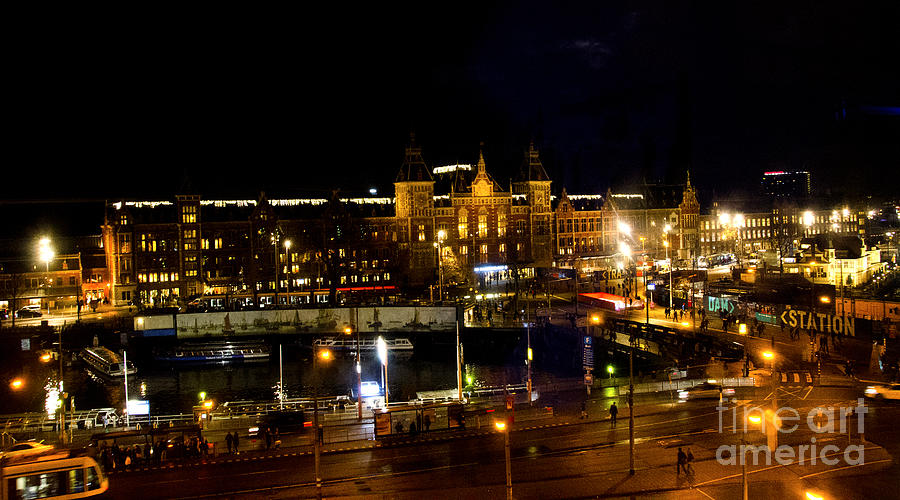 Centraal Station At Night Digital Art
