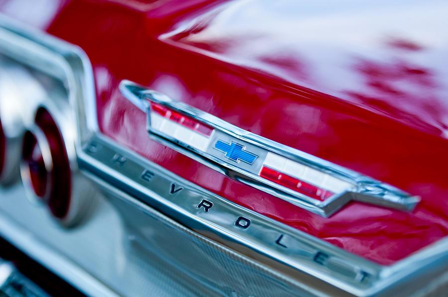 Chevrolet Impala Photograph - Chevrolet Impala Emblem 3 by Jill Reger