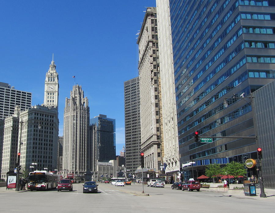 Oct 09, · The Magnificent Mile is a nice walk to take in the high rise of Chicago. The shops of there are OK although not sunning and as it's geared to tourists prices will likely be /5(K).