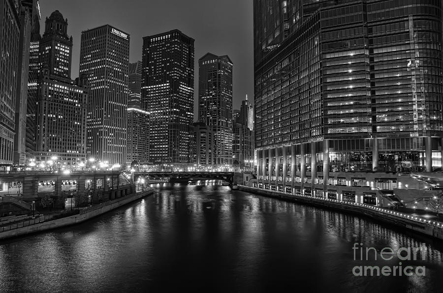 Chicago Photograph - Chicago Riverwalk by Eddie Yerkish