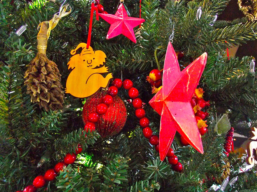 Christmas tree decorations in australia holliday decorations for Australian christmas decoration