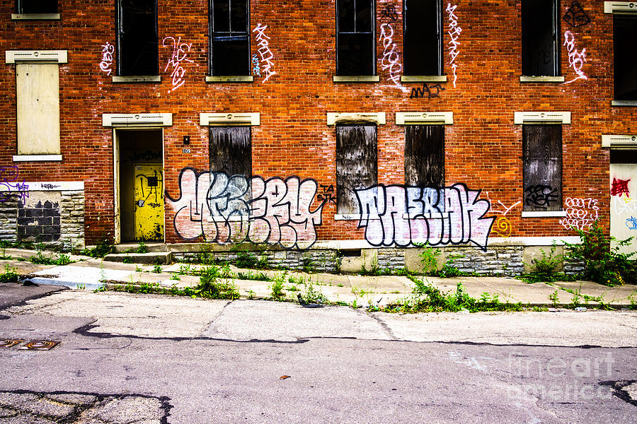 Cincinnati Glencoe Auburn Place Graffiti Photo Photograph