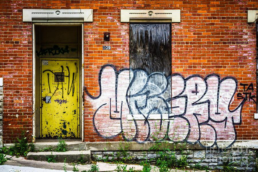Cincinnati Glencoe Auburn Place Graffiti Picture Photograph