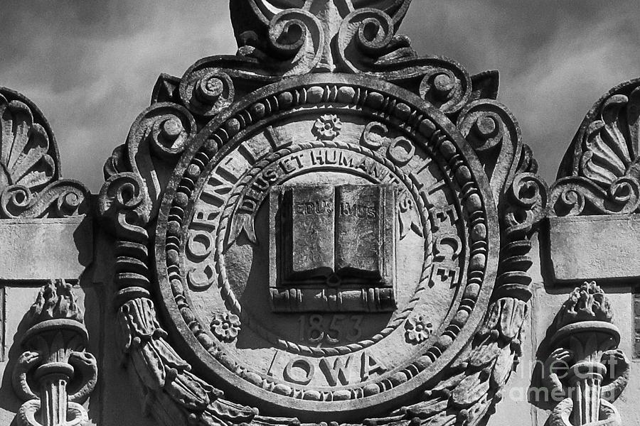 Cornell College Seal Photograph