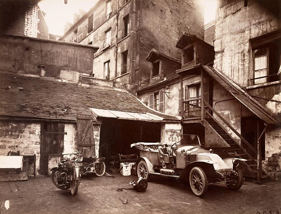 cour 7 rue de valence eugene aget 1922 photograph by. Black Bedroom Furniture Sets. Home Design Ideas
