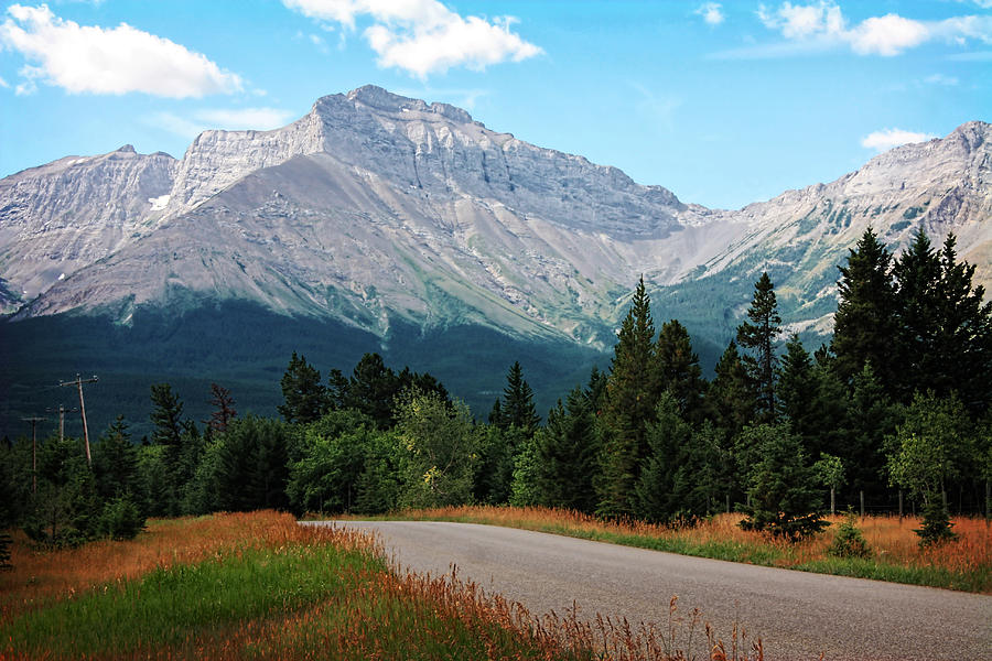 crowsnest pass chat Crowsnest mountain resort is located in the beautiful crowsnest pass we offer fully furnished cabins, and rv sites for sale world class atv trails next door.