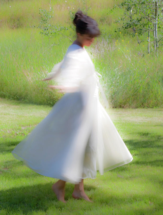 Impressionist Photograph - Dancing In The Sun by Theresa Tahara