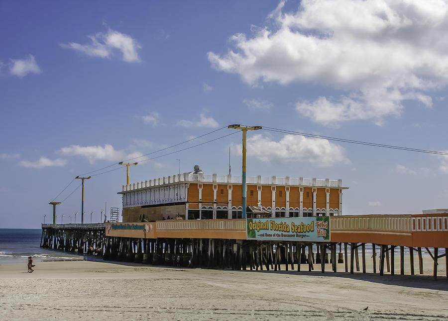 Daytona beach pier restaurant photograph by karen stephenson for Daytona beach fishing pier