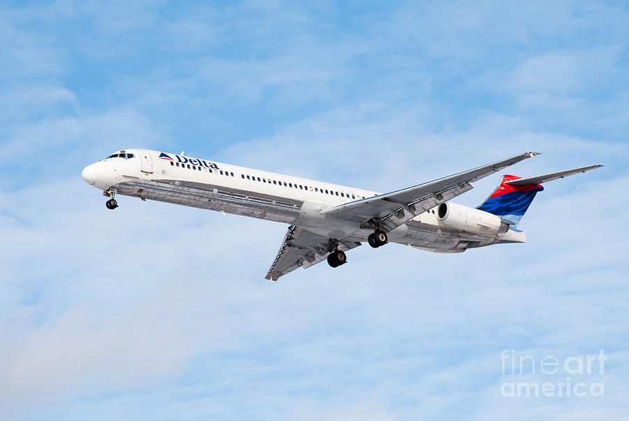 Delta Air Lines Mcdonnell Douglas Md-88 Airplane Landing Photograph