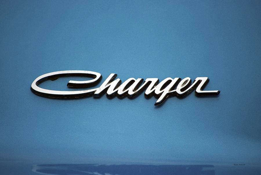 dodge charger emblem photograph by thomas woolworth. Black Bedroom Furniture Sets. Home Design Ideas
