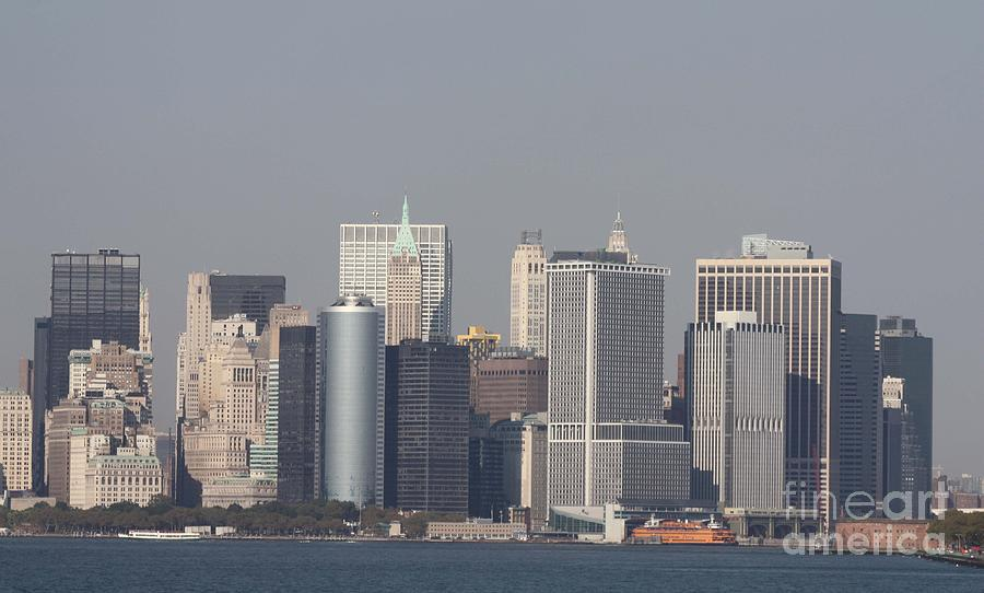 Downtown Manhattan Shot From The Staten Island Ferry Photograph - Downtown Manhattan Shot From The Staten Island Ferry by John Telfer