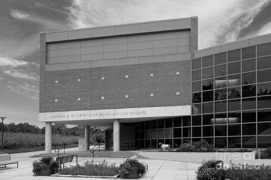 Drake University Cline Hall Of Pharmacy And Science Photograph