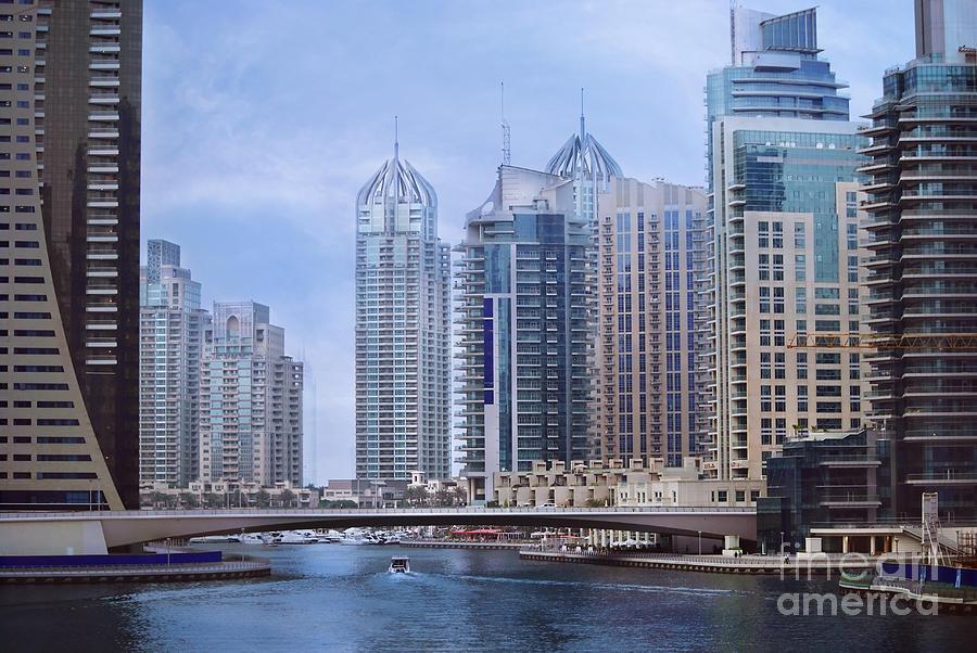 Dubai Marina Pyrography