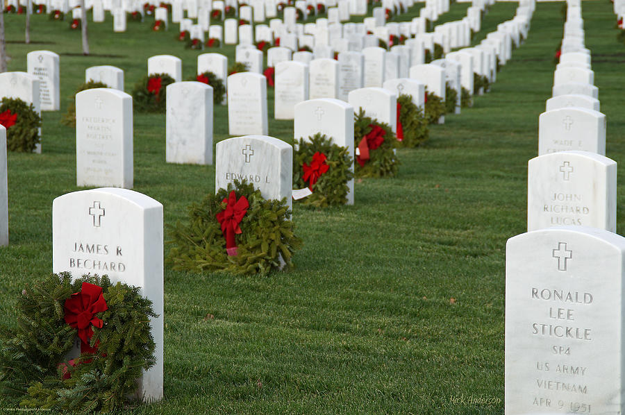 Cemetery Photograph - Eagle Point National Cemetery At Christmas by Mick Anderson