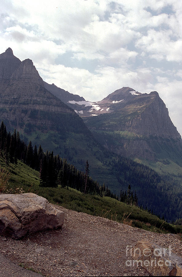 east glacier park sex chat Looking for a east glacier park hotel 2-star hotels from , 3 stars from and 4 stars+ from stay at glacier park lodge from /night, bear creek ranch from /night, dancing bears inn from $84/night and more.