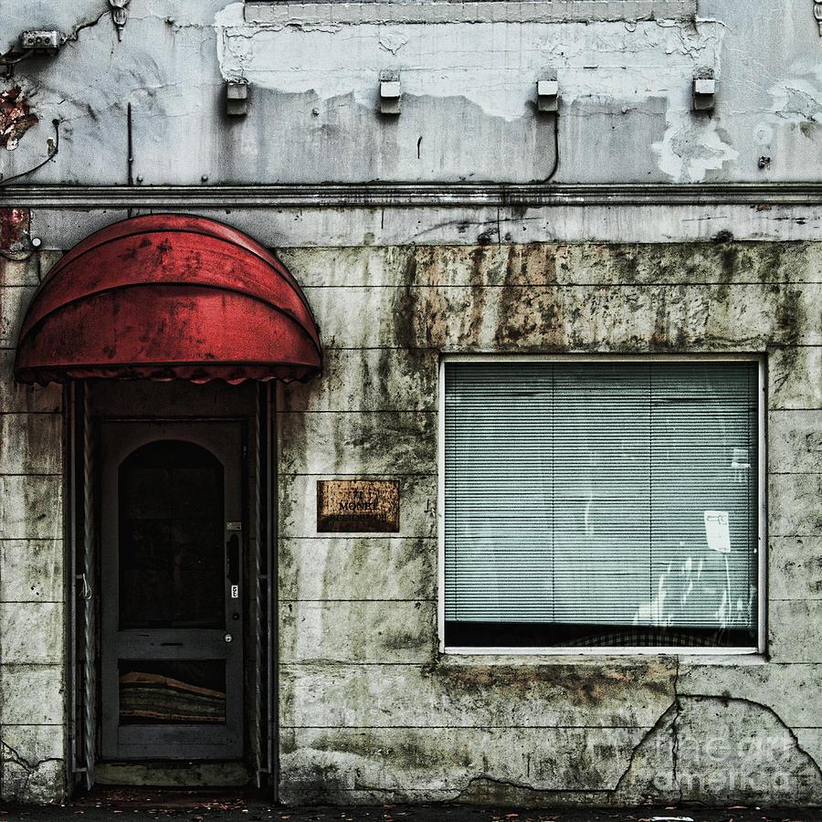 Facade Photograph - Fading Facade by Andrew Paranavitana