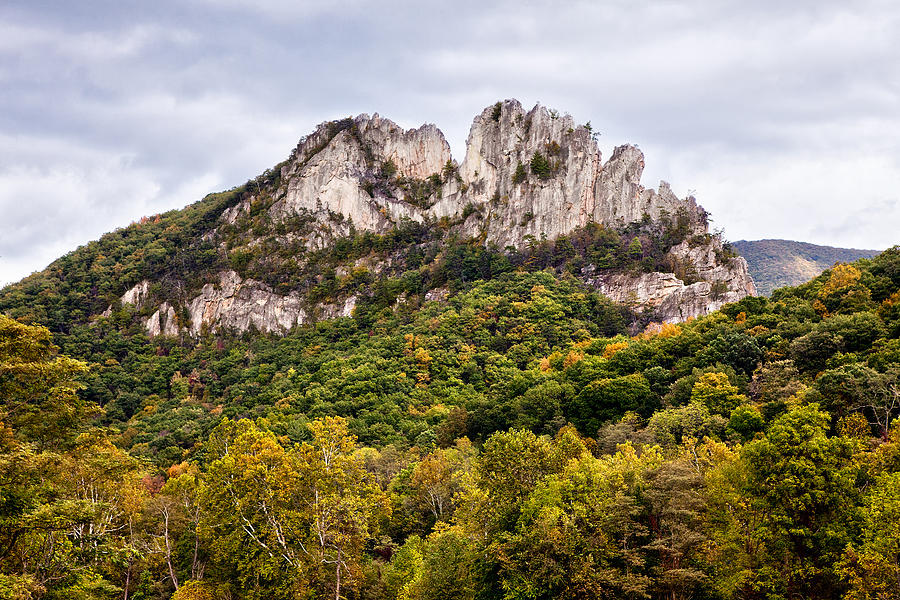 seneca rocks chat Seneca rocks is a large crag and local landmark in pendleton county in the eastern panhandle of west virginia, usathe south peak is the only true peak — a peak inaccessible except by technical rock climbing techniques — on.