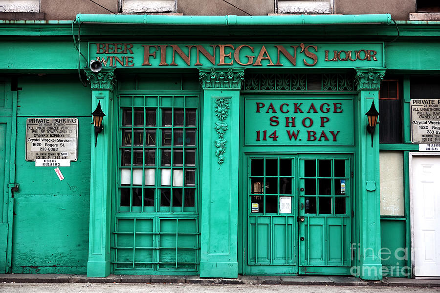 Finnegans Of Savannah Photograph - Finnegans Of Savannah by John Rizzuto
