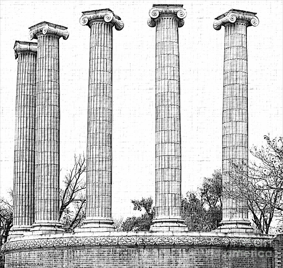 Five Columns Sketchy Photograph